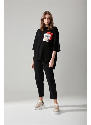 Mizalle Mizalle Cep Baskılı T-shirt Siyah